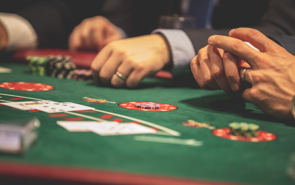 Vegas Strip Blackjack: A Guide to How and Where You Should Play